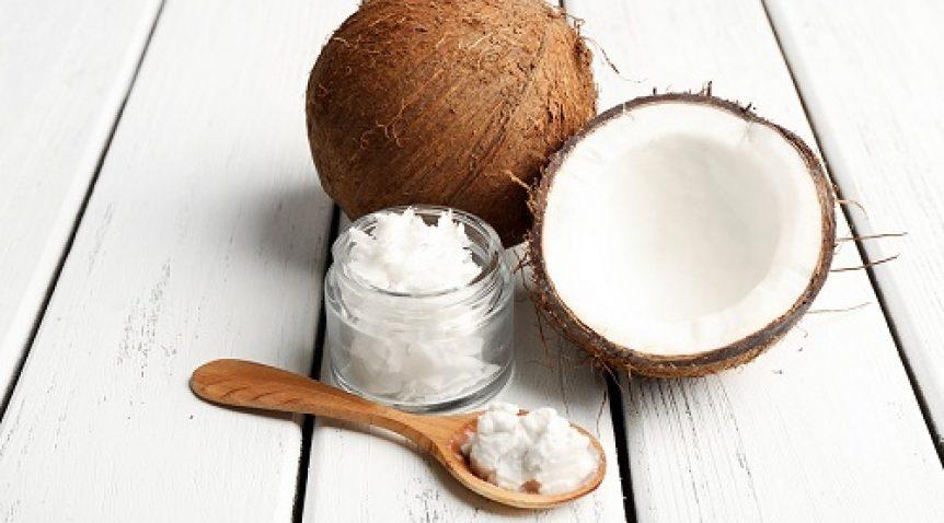 Bật mí tác dụng không ngờ của tinh dầu dừa