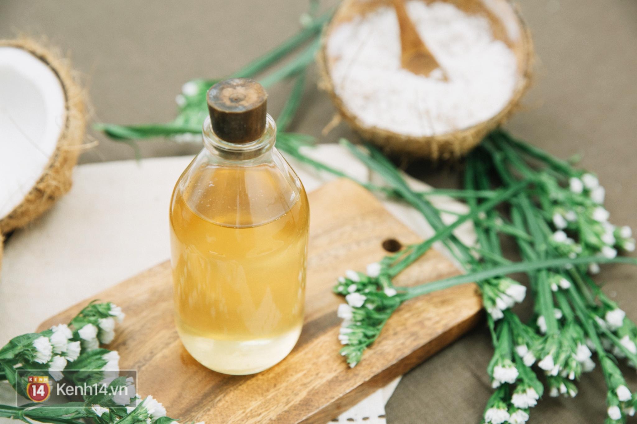 trị mụn trứng cá bằng dầu dừa