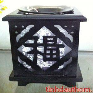 đèn xông tinh dầu gỗ chữ phúc