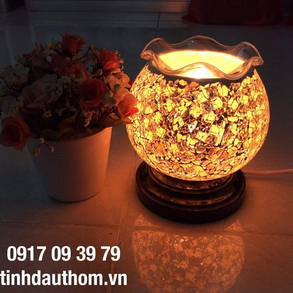 đèn xông tinh dầu pha lê vàng