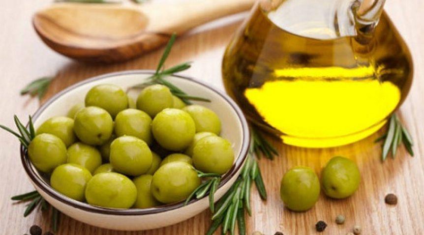 Trị mụn trứng cá bằng dầu oliu – Thật hay không?
