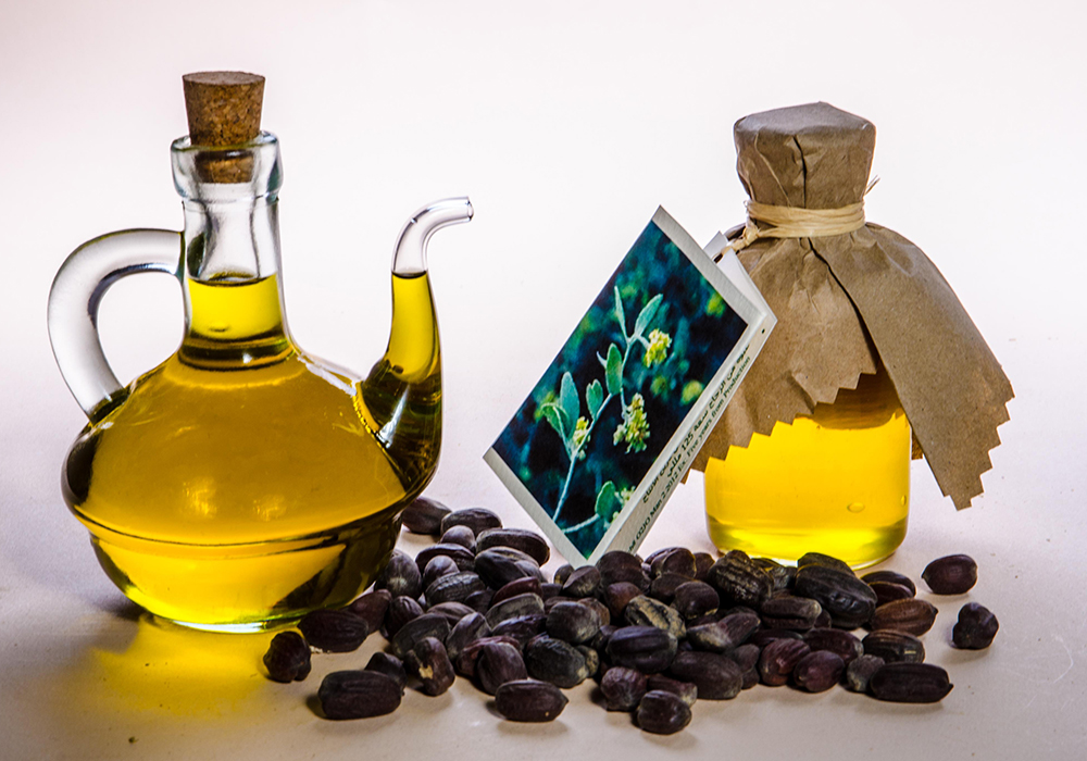 10 Loại tinh dầu thiên nhiên có công dụng làm đẹp từ A - Z