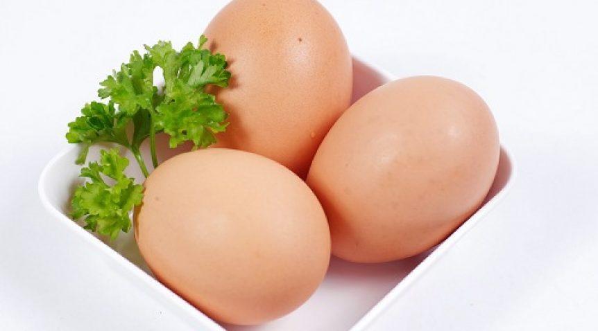 Hướng dẫn cách trị mụn trứng cá bằng trứng gà tại nhà