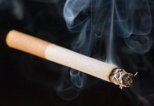 khử mùi thuốc lá trong phòng