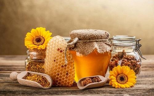 mặt nạ trị mụn đầu đen từ mật ong