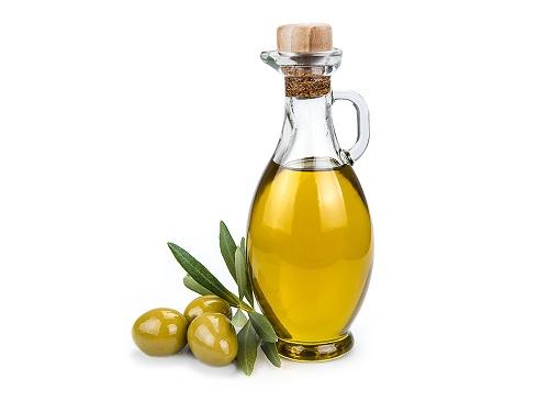 trị mụn đầu đen bằng dầu oliu