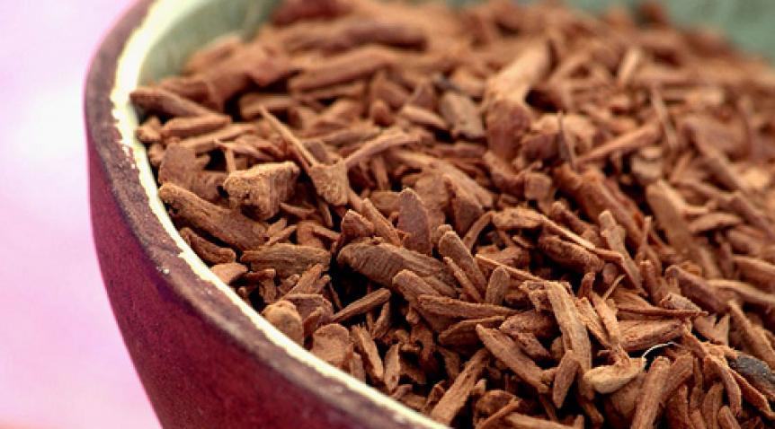 7 Cách làm đẹp bằng tinh dầu gỗ đàn hương