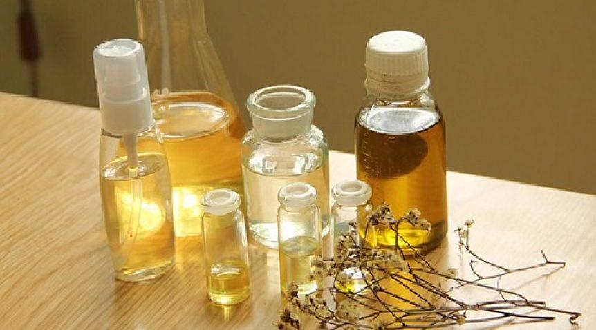 Tìm hiểu dầu nền nào phù hợp với bạn nhất?