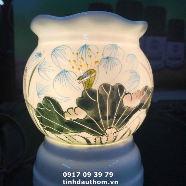 Đèn vẽ hoa sen xanh
