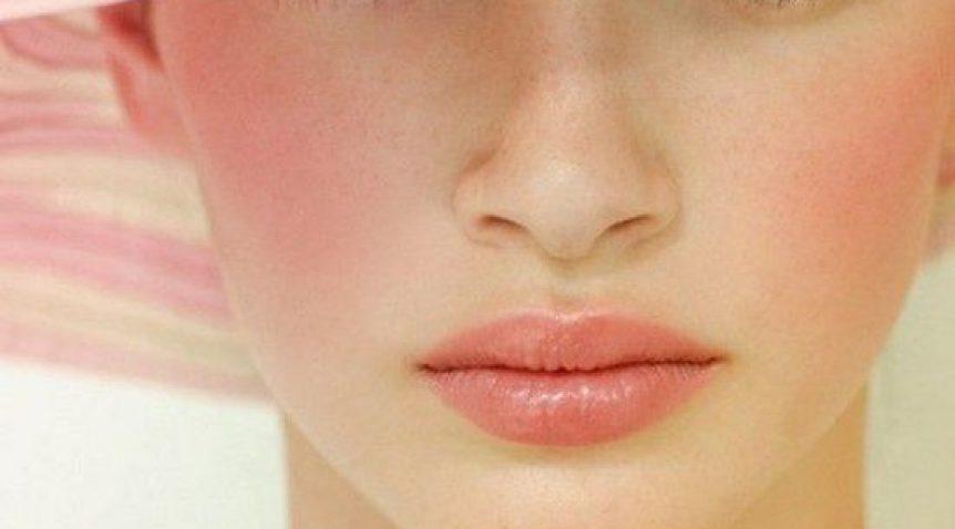 Cách trang điểm má hồng tự nhiên, đơn giản