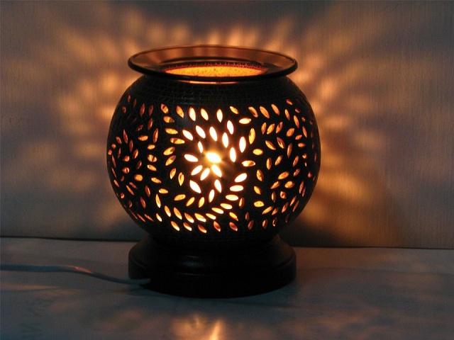 Đèn sử dụng xông tnh dầu